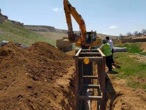 Saçıkara'da kanalizasyon, Karahisarlı'da yol genişletme çalışmaları başladı