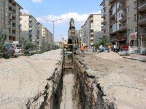 KOSKİ KADINHANI'NDA 18 BİN 239 METRE KANALİZASYON DÖŞEYECEK