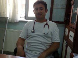 DOKTOR ALİ RAHİM ÖZALP VE BABASI TRAFİK KAZASINDA CAN VERDİ