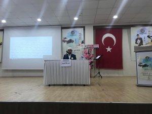 'PEYGAMBERİMİZ ve GENÇLİK' KONULU KONFERANS DÜZENLENDİ